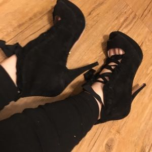 Betsey Johnson LUVEY black suede heels 10 lace up